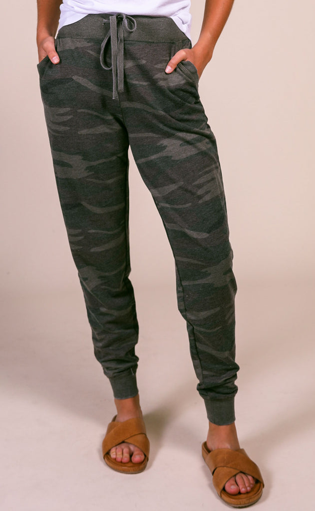 z supply: the camo pant - forest green