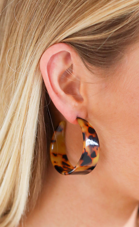 tortoise statement earrings - brown