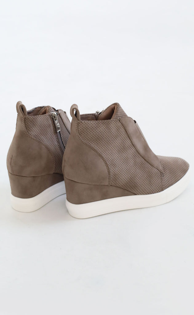 street chic sneaker wedges - taupe