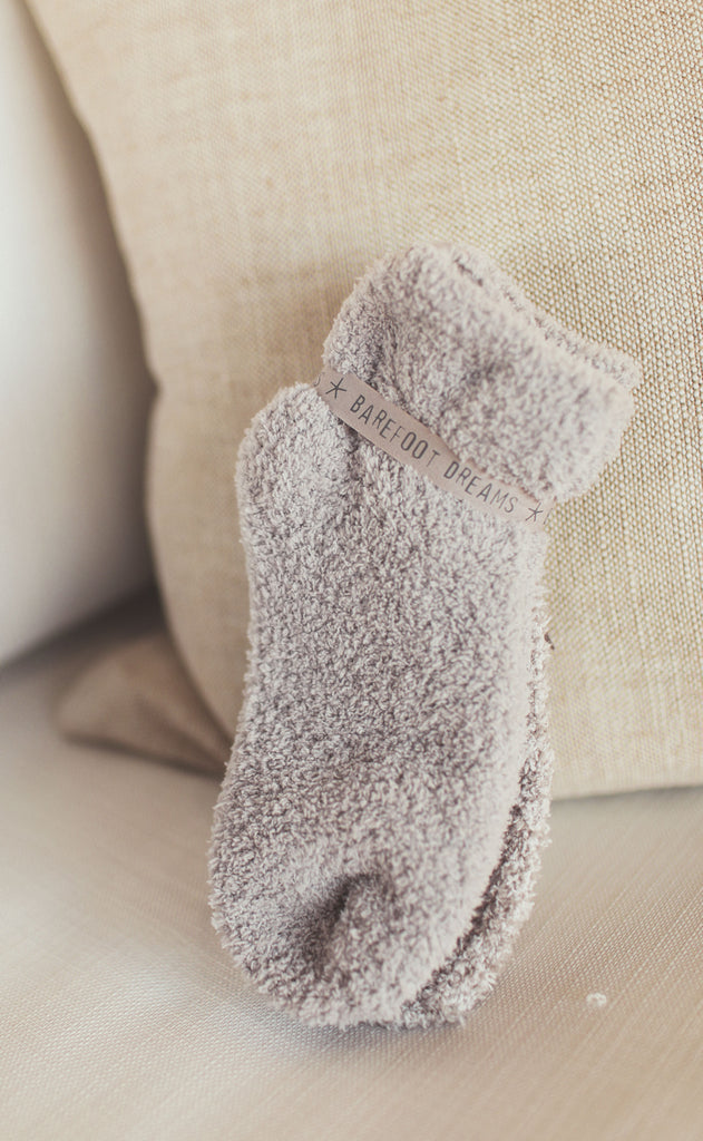 barefoot dreams: cozychic tennis sock set of two - oyster multi