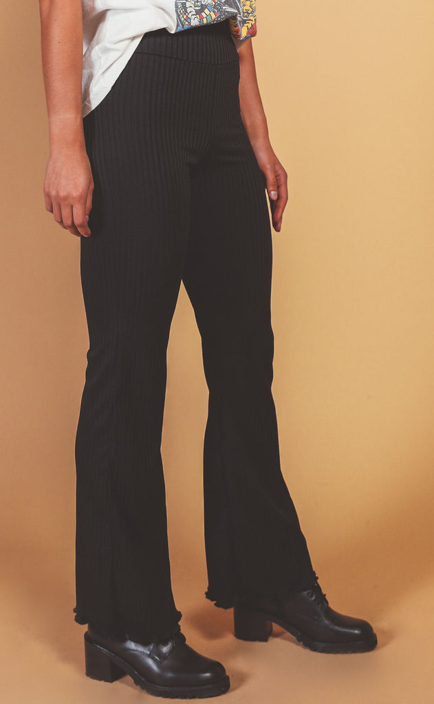 binge watching ribbed pants - black