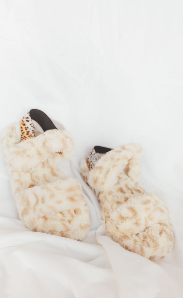 knock out slipper - white leopard