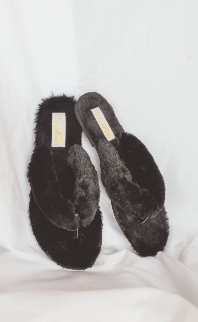 cuddle up flip flop shoe - black