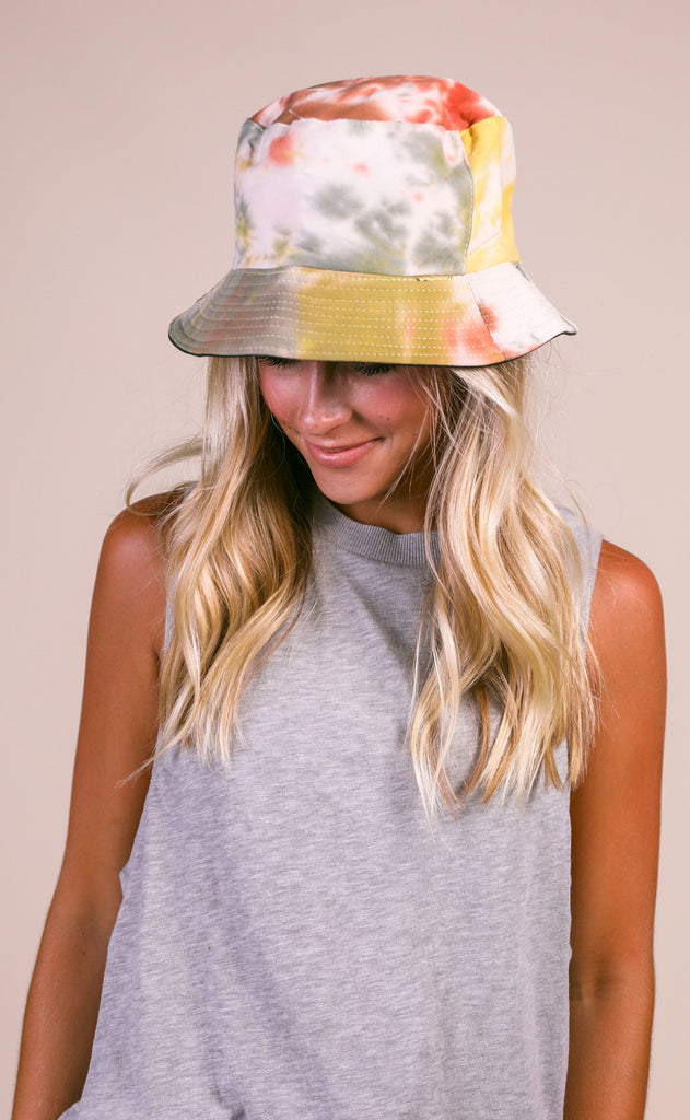 tie dye bucket hat - rust multi