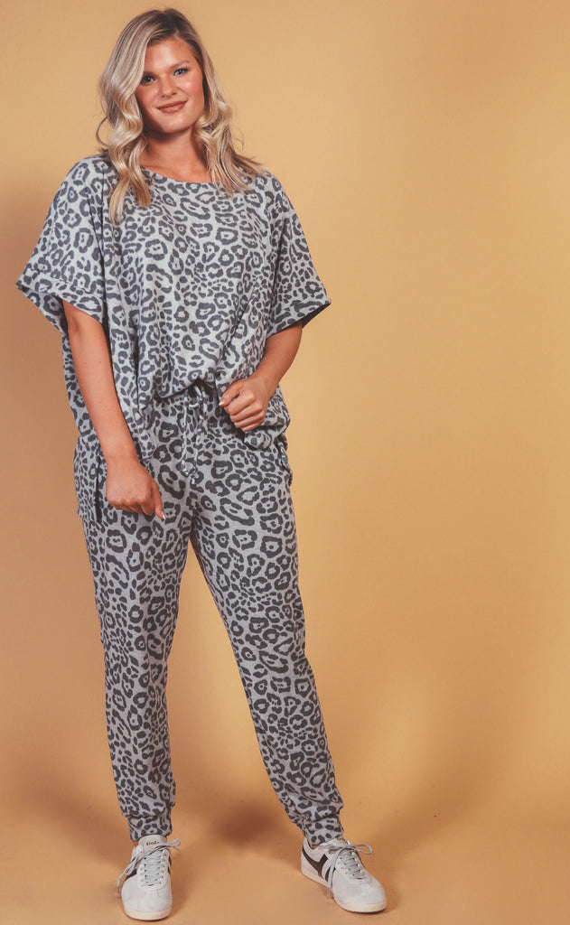 free to be comfy leopard set grey - extended