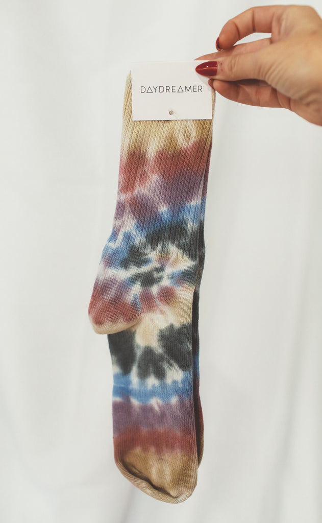 daydreamer: autumn tie dye socks