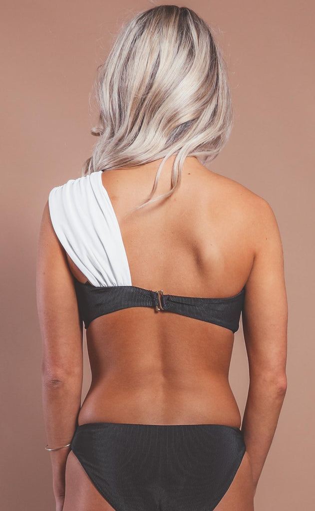 beach riot: odessa top - black/white