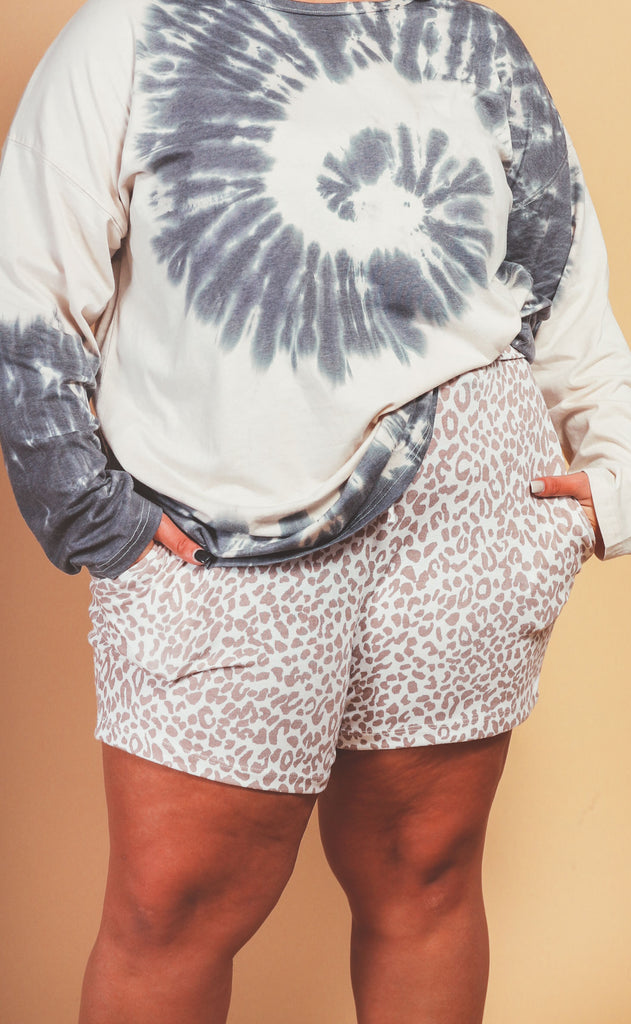 stay in leopard knit shorts bone - extended