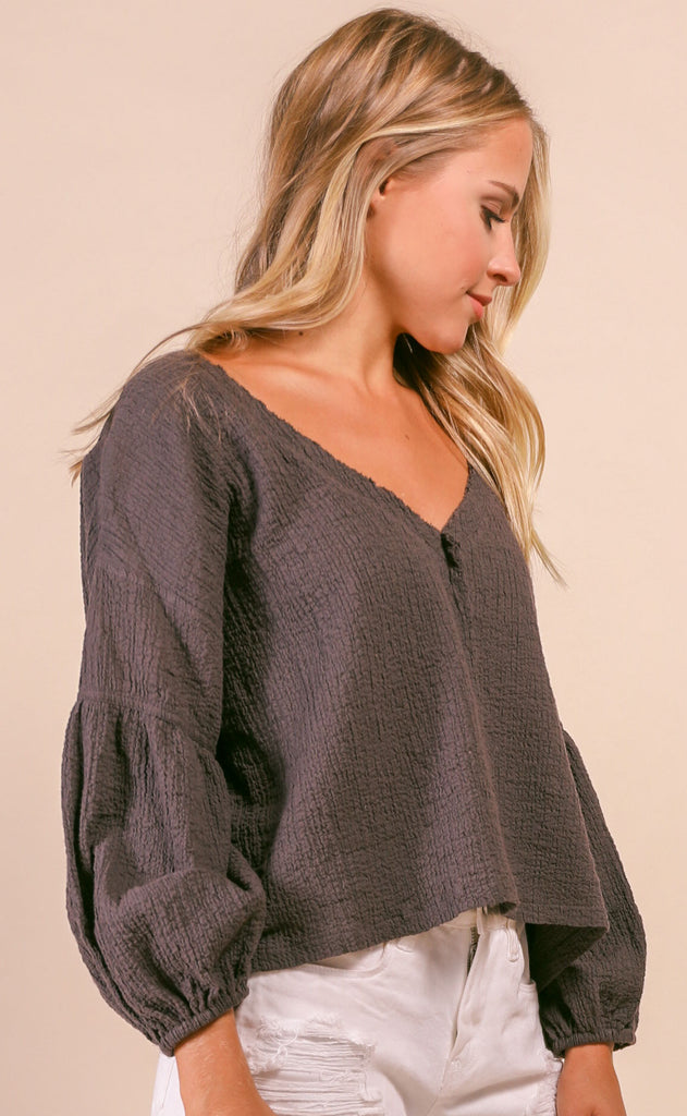 logan breezy top - charcoal