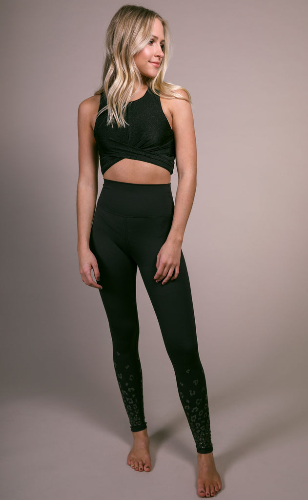 beach riot: riot crop - black