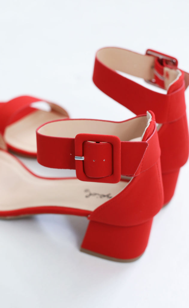 metro strappy heel - red