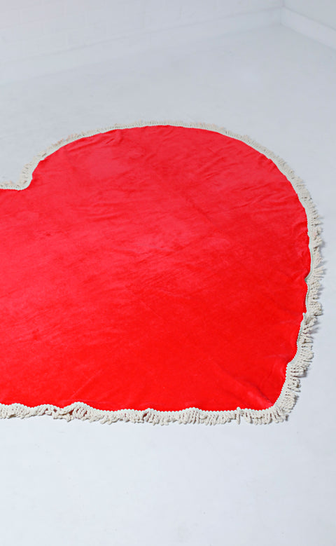 ban.do: all around giant heart towel - sweetheart