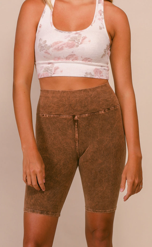 acid wash biker short - camel