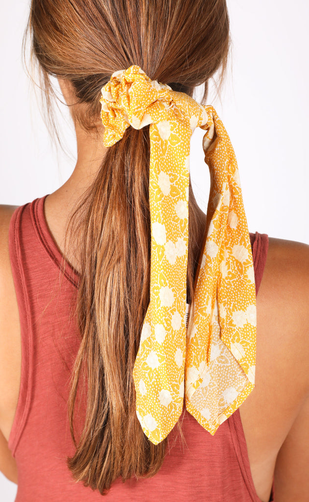 amuse society: up and away scrunchie scarf - gold