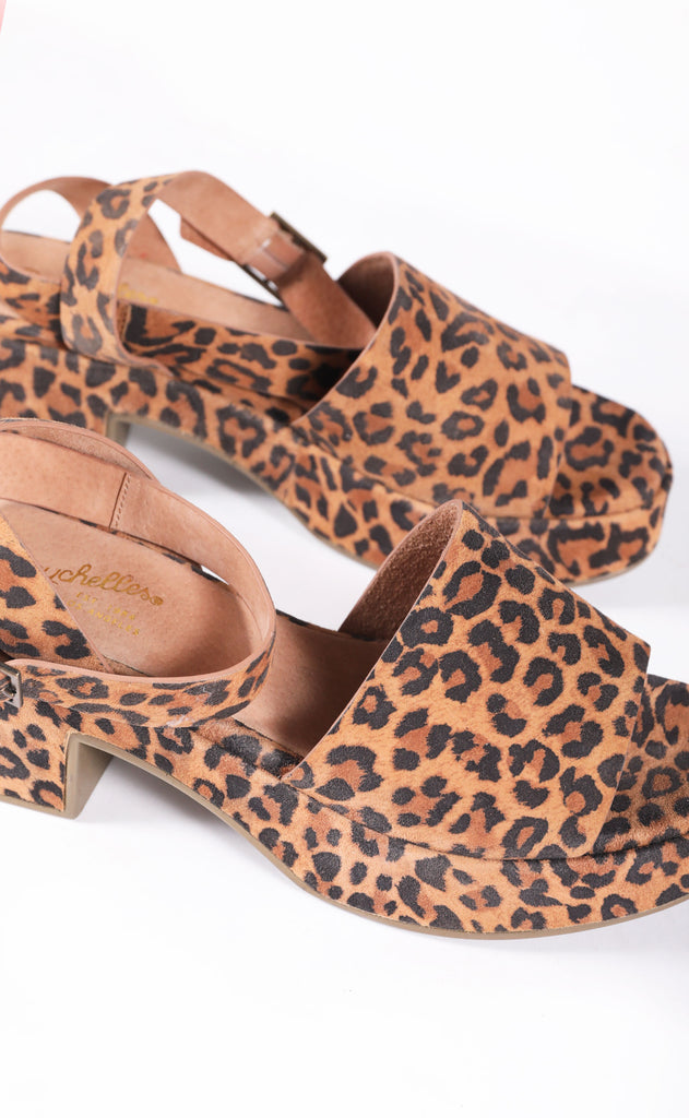 seychelles: calming influence platform sandals - leopard