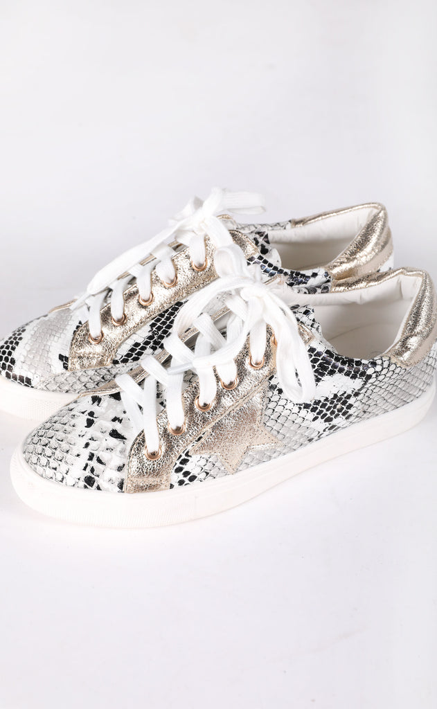 walk of fame sneaker - natural snake