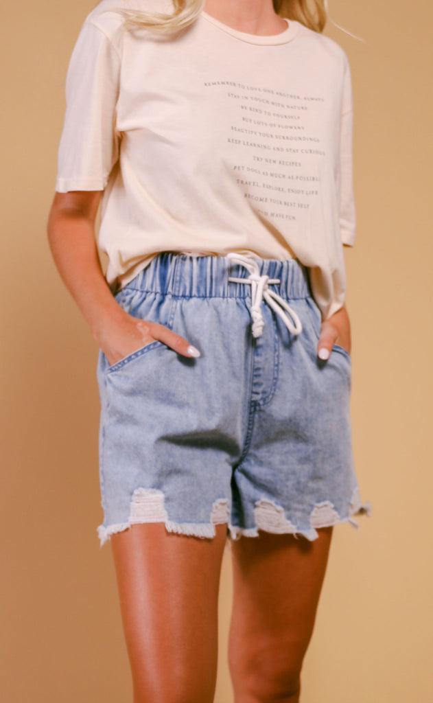everyday drawstring distressed denim short