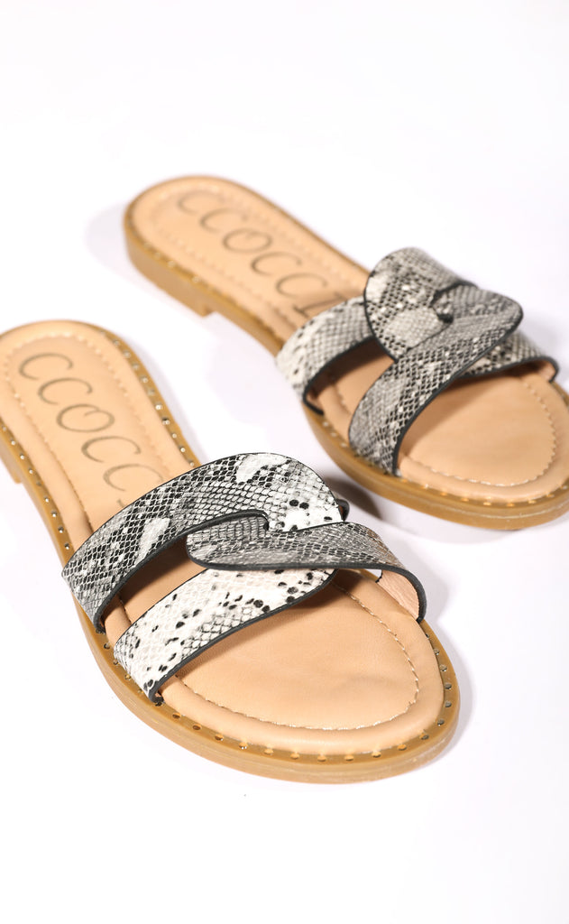 sandy toes slip on sandal - snake
