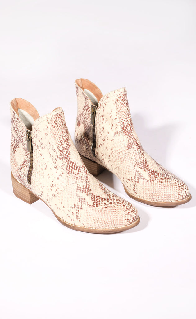 seychelles: lucky penny booties