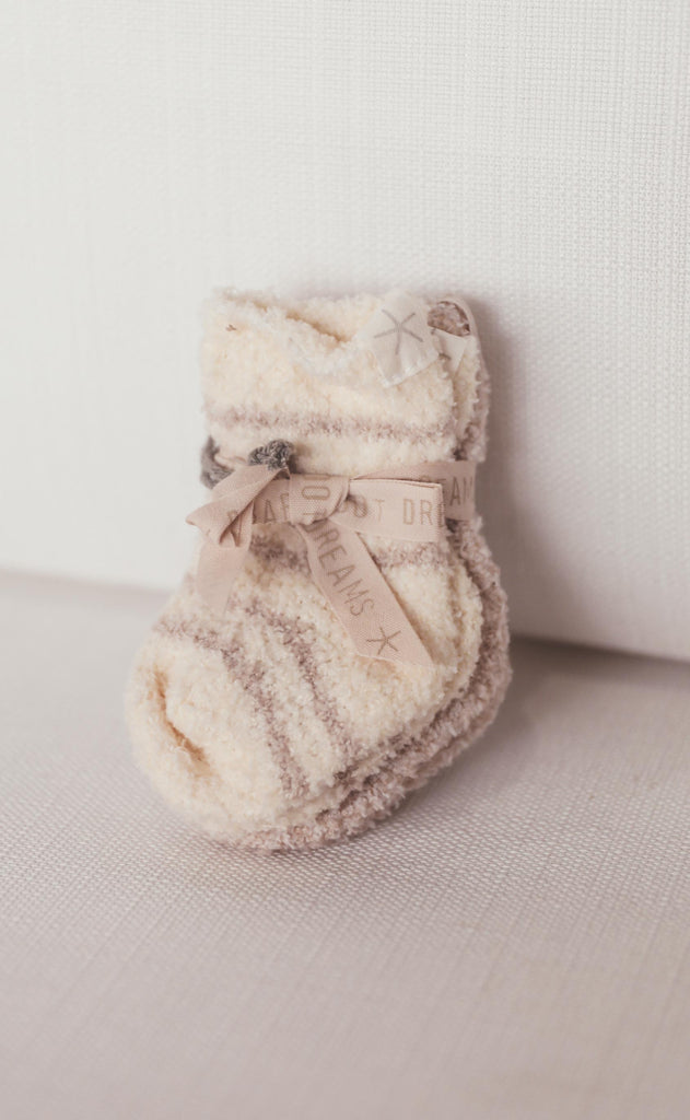 barefoot dreams: cozychic infant sock set - stone