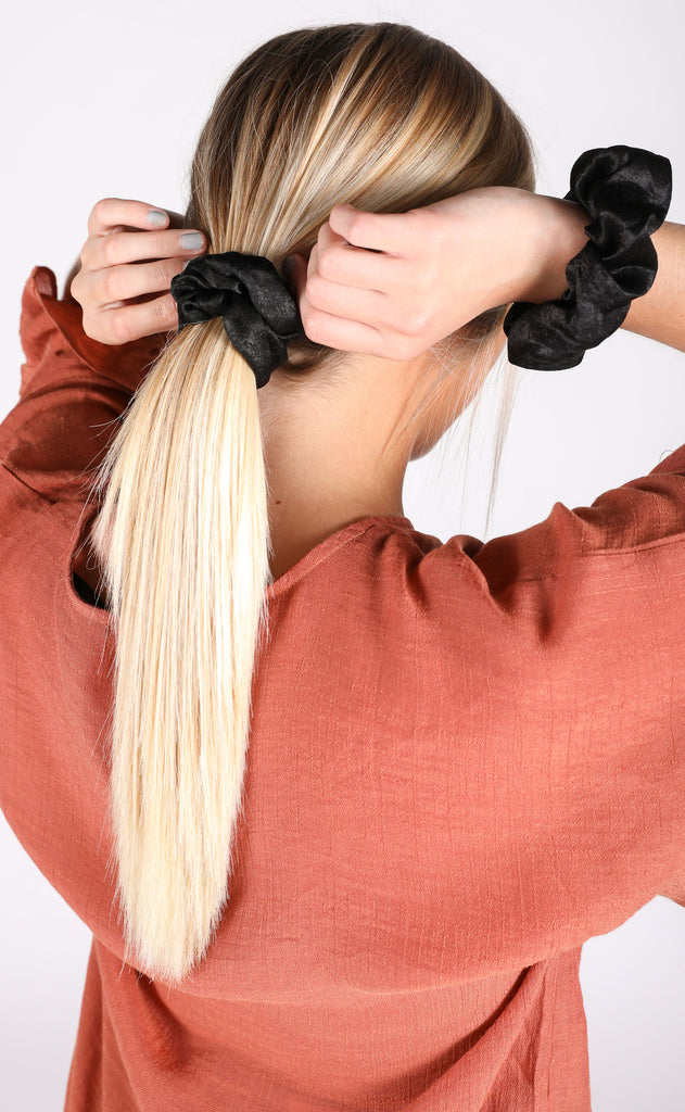 silky scrunchie duo - black