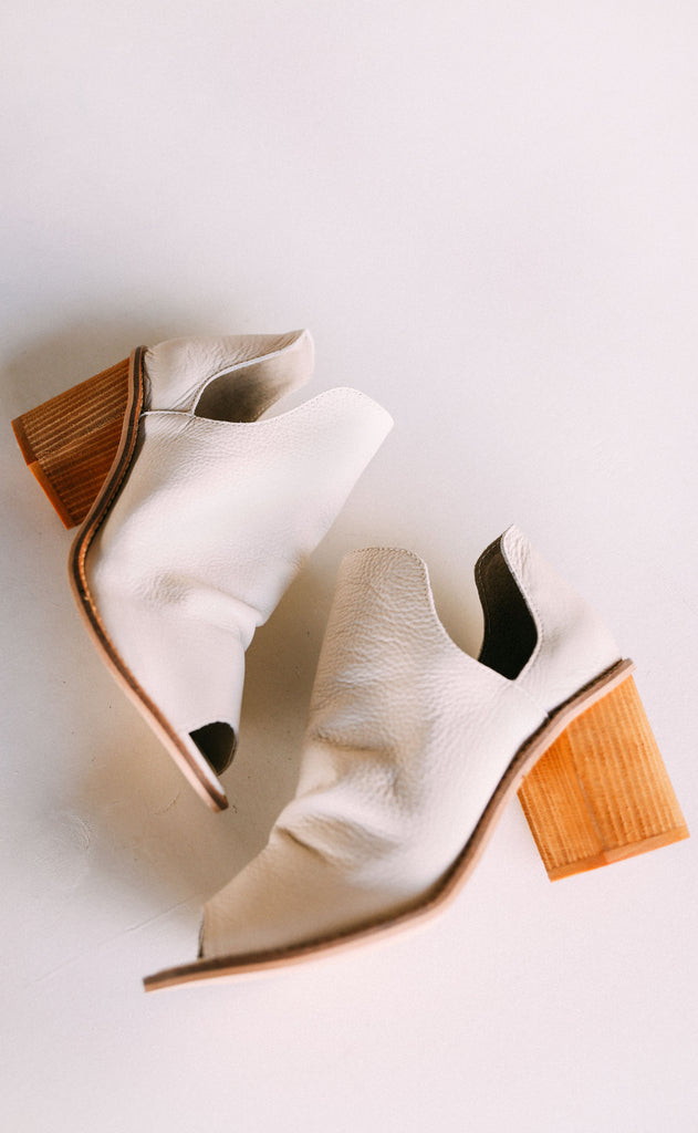 chinese laundry: carlita leather bootie