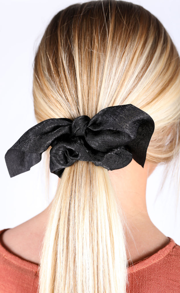 tie scrunchie - black