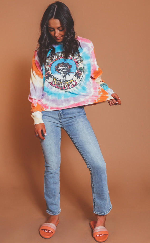 daydreamer: the grateful dead skull and roses tie dye long sleeve crop