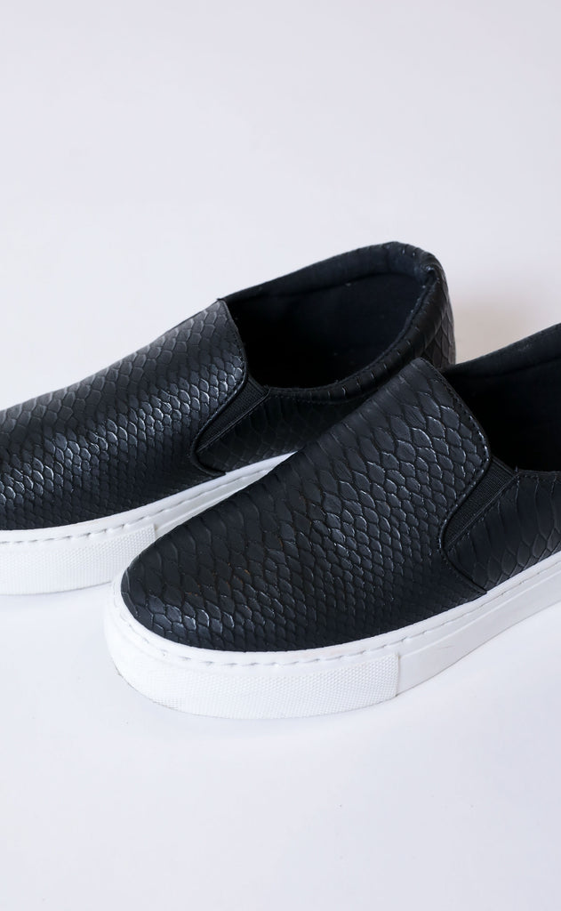 kick it sneaker - black