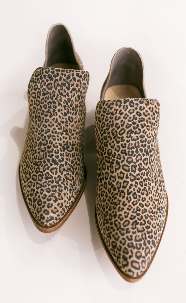 chinese laundry: focus leopard bootie