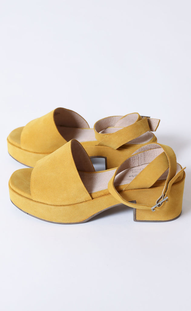 seychelles: calming influence platform sandals - yellow suede