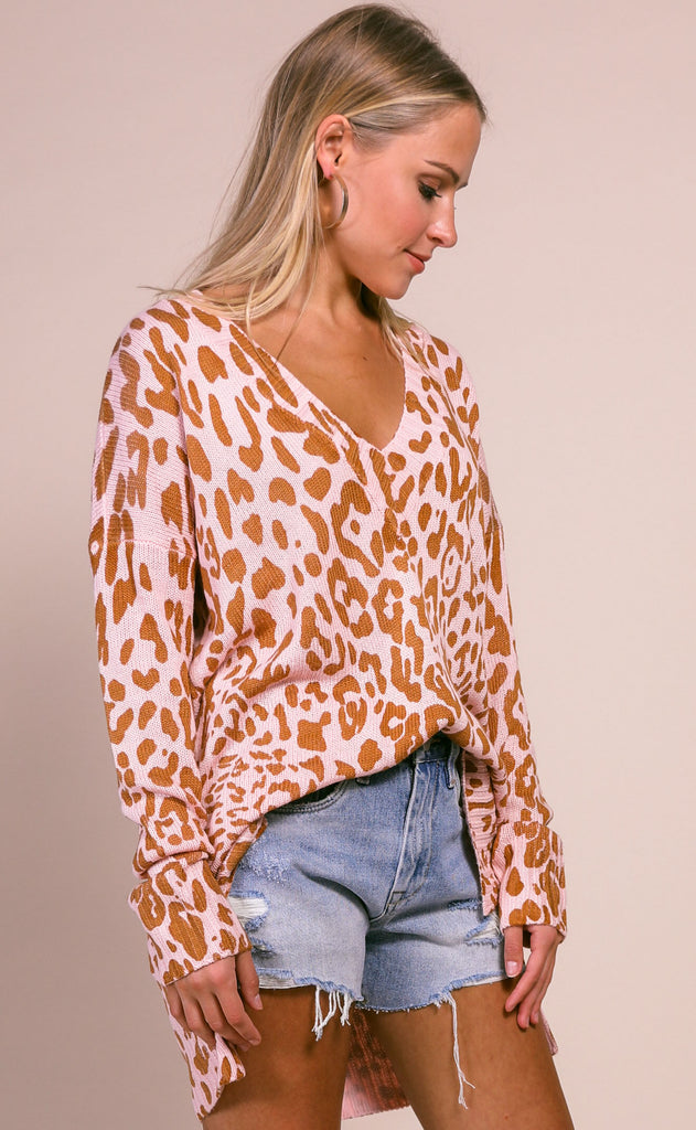 show me your mumu: cliffside sweater - pink leopard