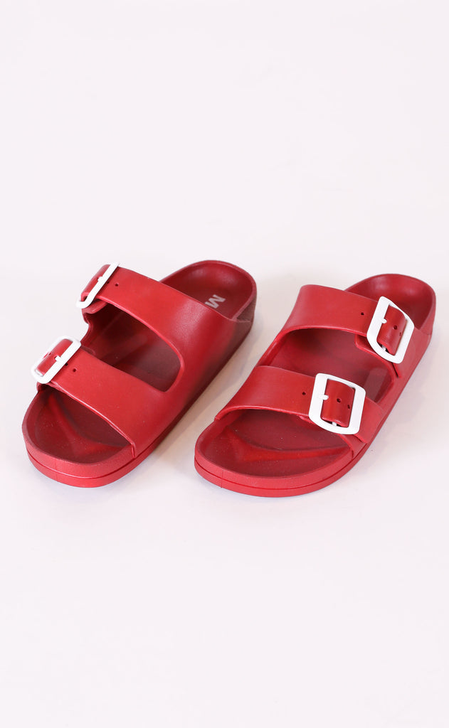 to the pool buckle slide - red