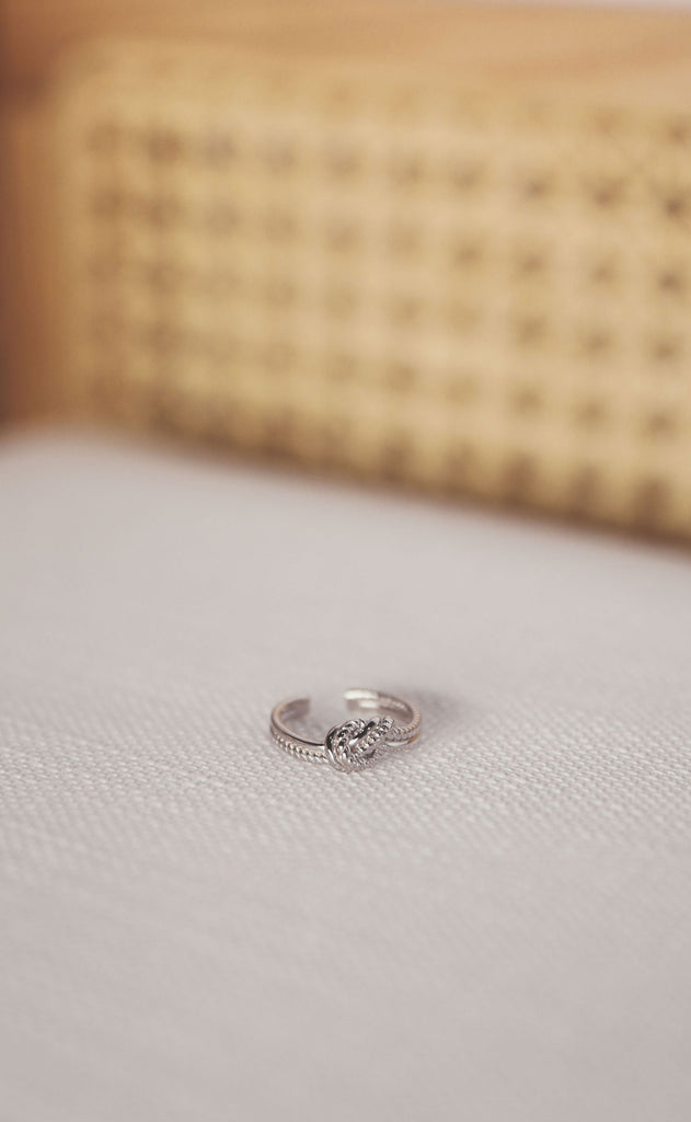 heart in knots sterling silver ring