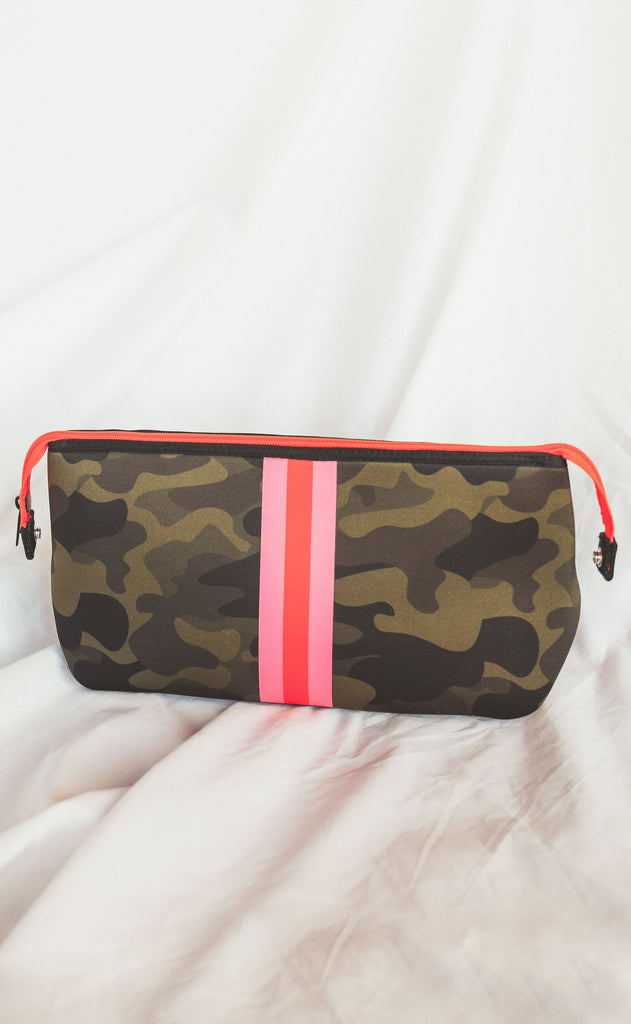haute shore: kyle showoff toiletry bag