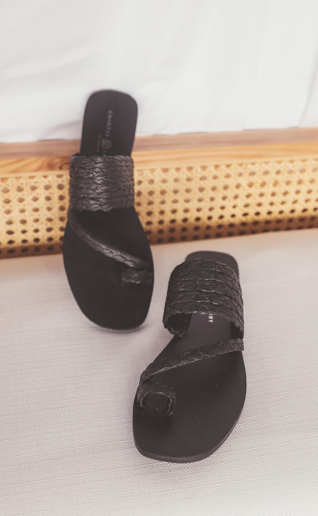 chinese laundry: rayva sandal - black