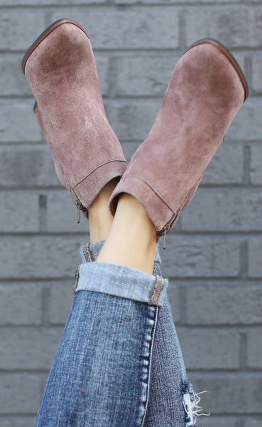 ONLINE EXCLUSIVE seychelles: company bootie - taupe