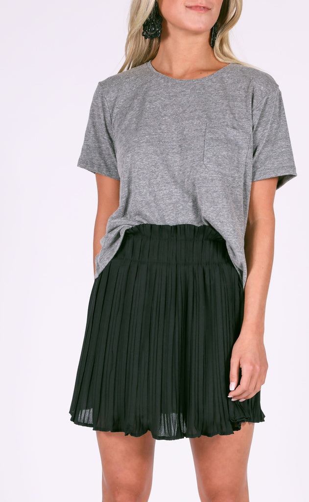 aim to pleat mini skirt - black