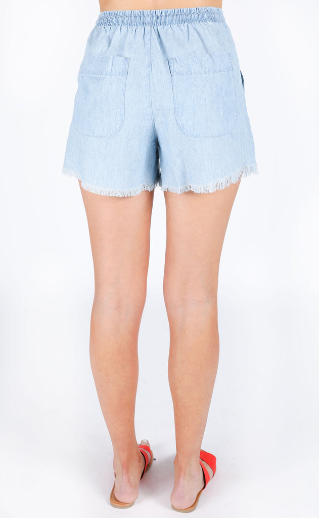 show me your mumu: andi shorts - light chambray