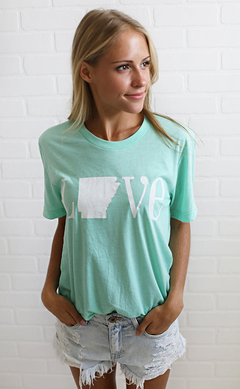 charlie southern: classic state love t shirt - arkansas [mint]