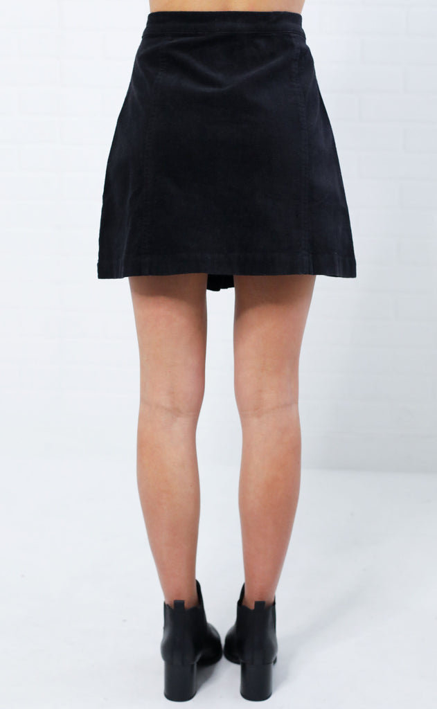 autumn days button up skirt - black