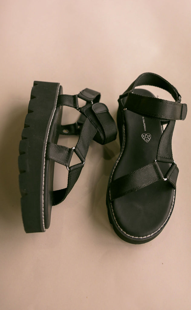 bc footwear: eyes on the prize sandals - black