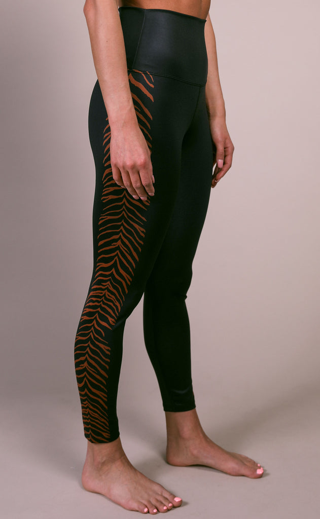beach riot: tiger legging