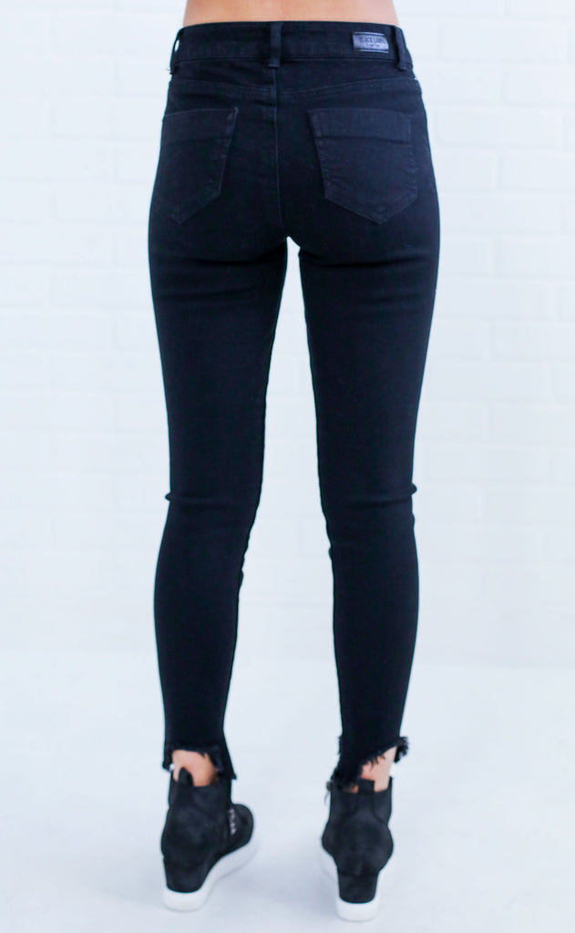 black out skinny jeans