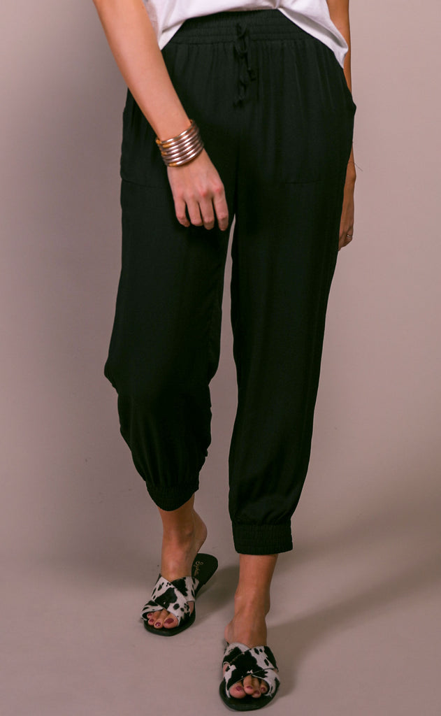 casual cool woven joggers - black