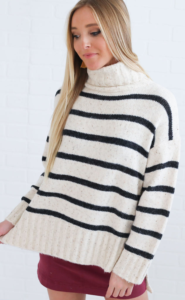 city stroll striped sweater