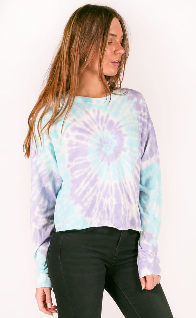 daydreamer: long sleeve crop - spiral tie dye