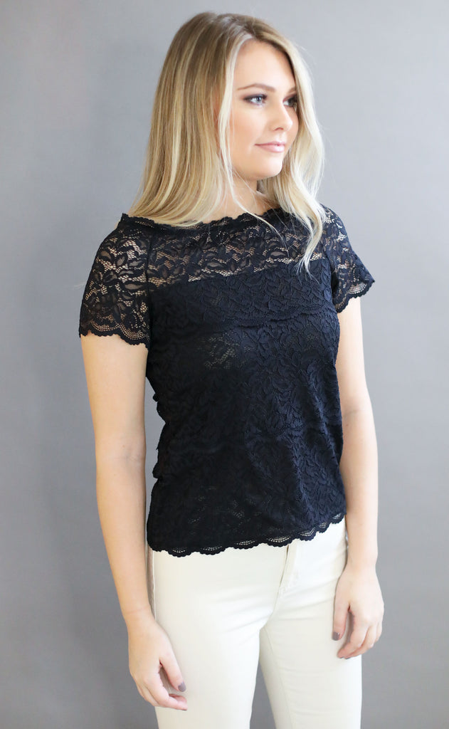 delicate floral lace top - black