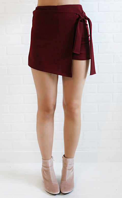 do or tie skort - burgundy