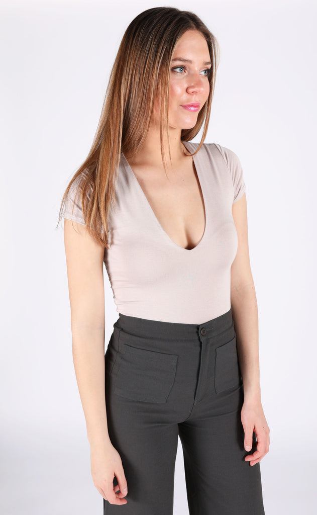 drinks on the house v-neck bodysuit - taupe